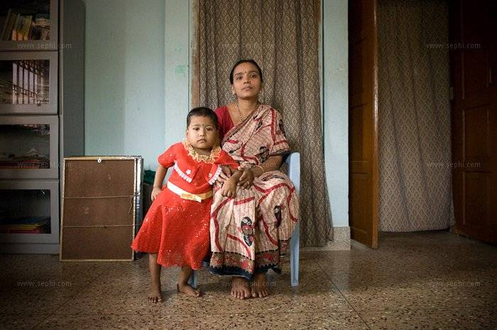 Usharani Behera (30) and her daughter Rani (3) were tested HIV+ only last year once her husband was seriously ill. They now receive the HIV pension thanks to the advocacy of UNDP as part of the HIV mainstreaming project.